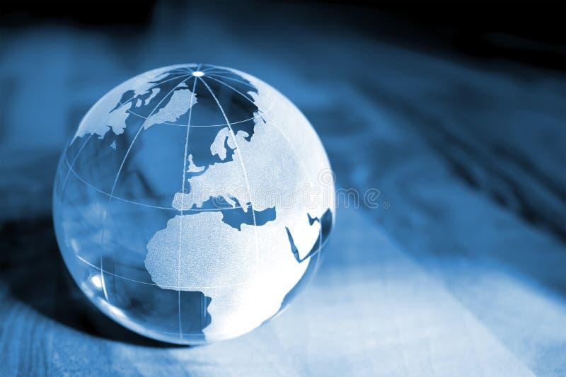 Het blauwe transparante glas van de Aarde stock fotografie