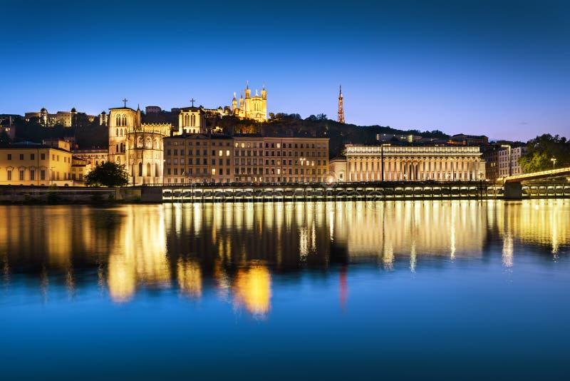 Het blauwe uur van Lyon stock afbeelding