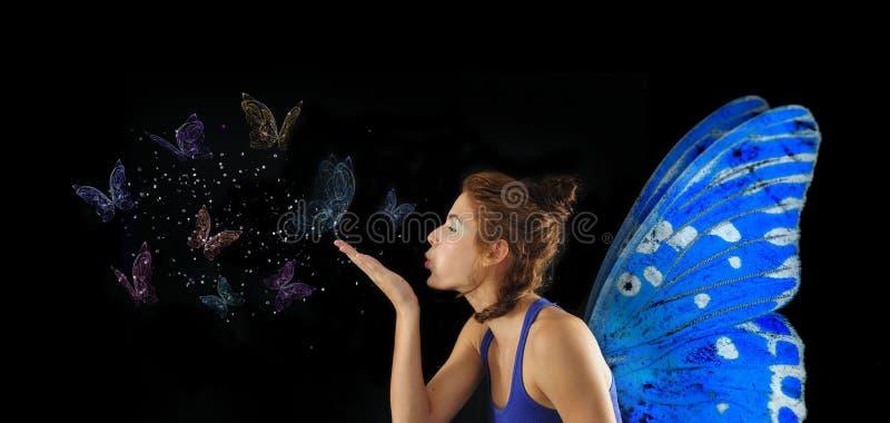 Het blazen van de fee vlinders royalty-vrije stock afbeelding