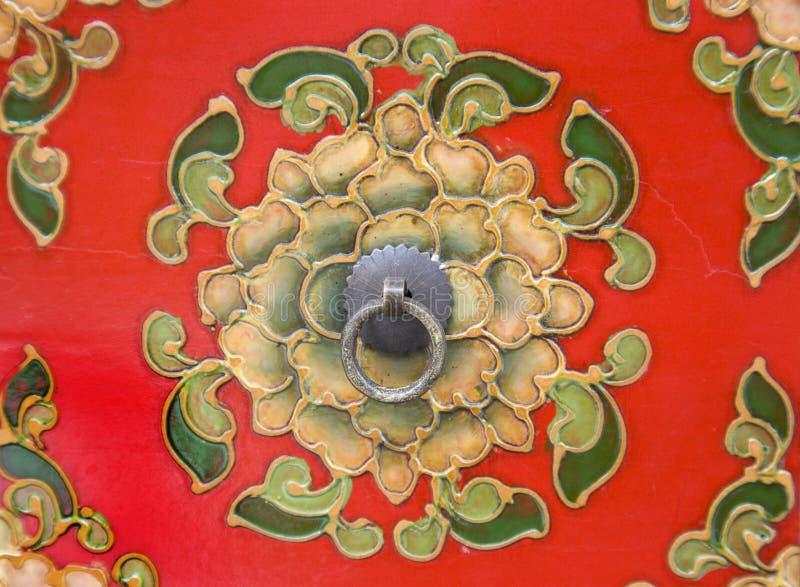 Het bloemen patroon snijden op meubilair royalty-vrije stock foto's
