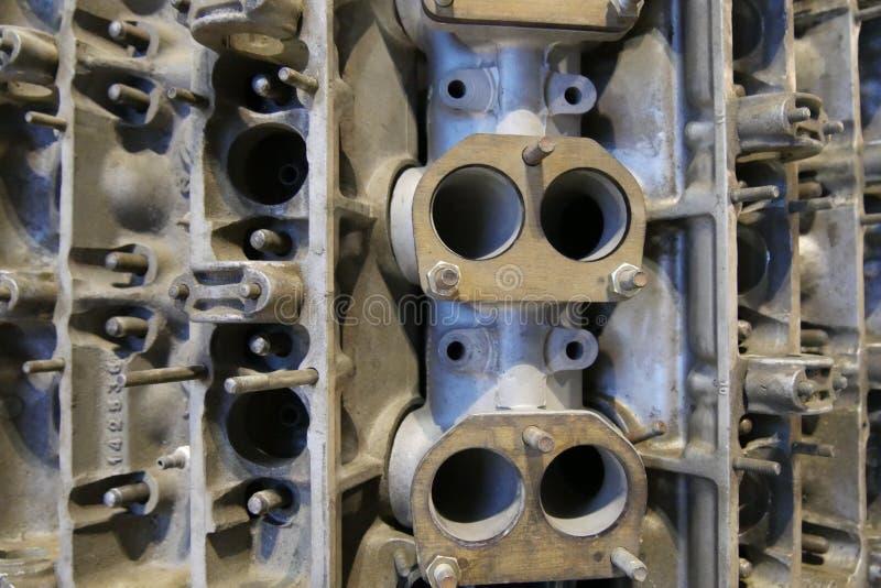 Het blok van de motor van een autocilinder stock afbeeldingen
