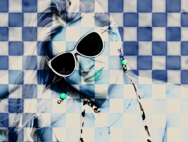 Het blonde met kubussen royalty-vrije stock afbeelding