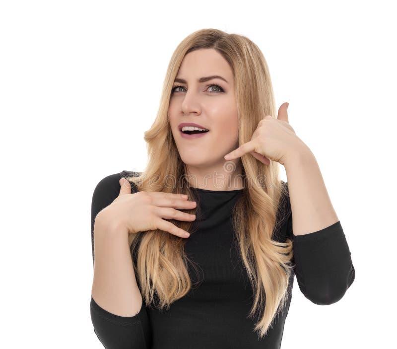 Het blonde spreekt op een geïmproviseerde telefoon roddel royalty-vrije stock afbeeldingen