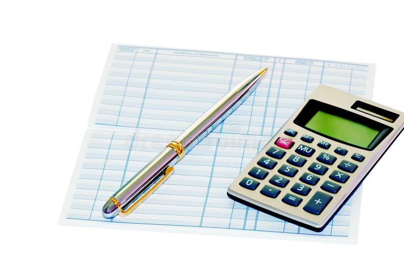 Het boek van de bank met een pen en een calculator stock afbeeldingen