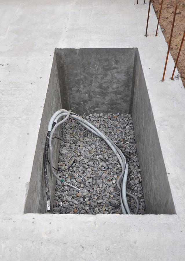 Het Boorgat van het mangatwater in aanbouw voor Watervoorzieningssysteem, Hydraulische Accumulator, Waterpomp, Riool stock afbeelding