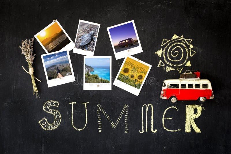 Het bord van het de zomerthema met retro kaders met fotografen sel stock afbeeldingen