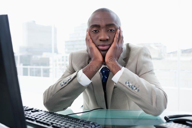 Het Bored zakenman stellen stock fotografie