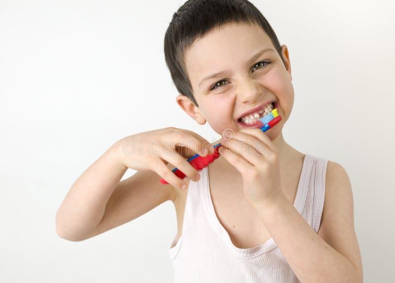 Het borstelen van het kind tanden royalty-vrije stock fotografie