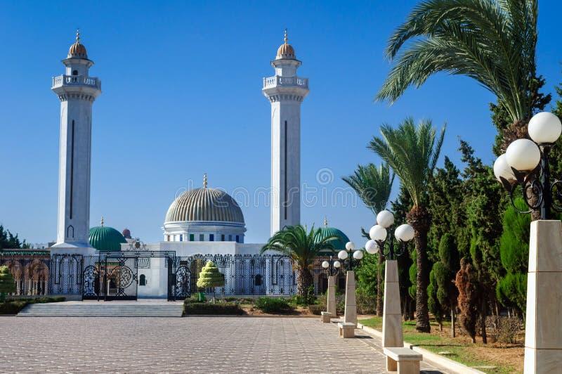 Het Bourguiba-mausoleum is een monumentaal graf die in Monastir, de overblijfselen van voorzitter Habib Bourguiba bevatten stock foto's