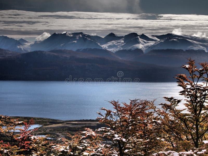 Het Brakkanaal van Navarino-eiland, Magellan-gebied, Chili wordt gezien dat royalty-vrije stock afbeeldingen