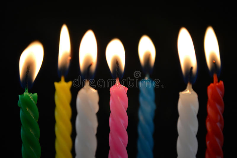 Het Branden van kaarsen stock afbeelding