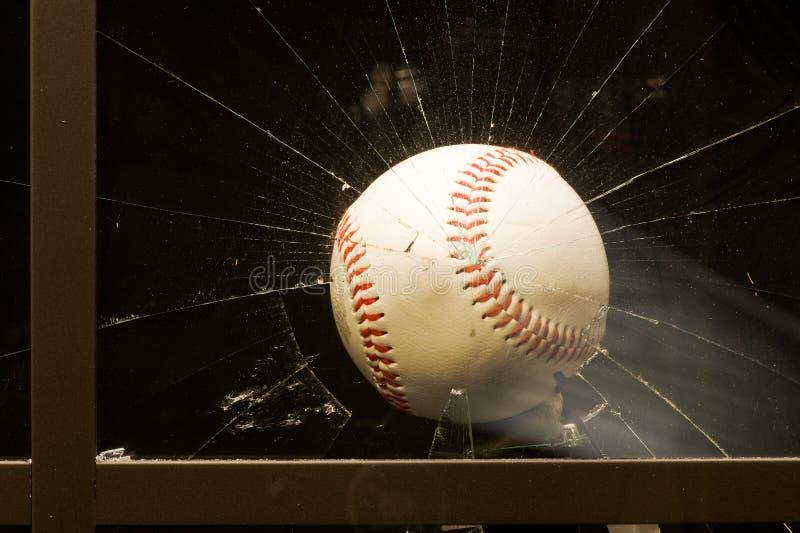 Het breken van het honkbal venster royalty-vrije stock afbeeldingen