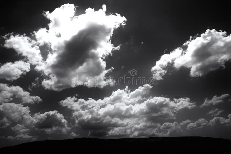 Het broeden hemel stock foto's