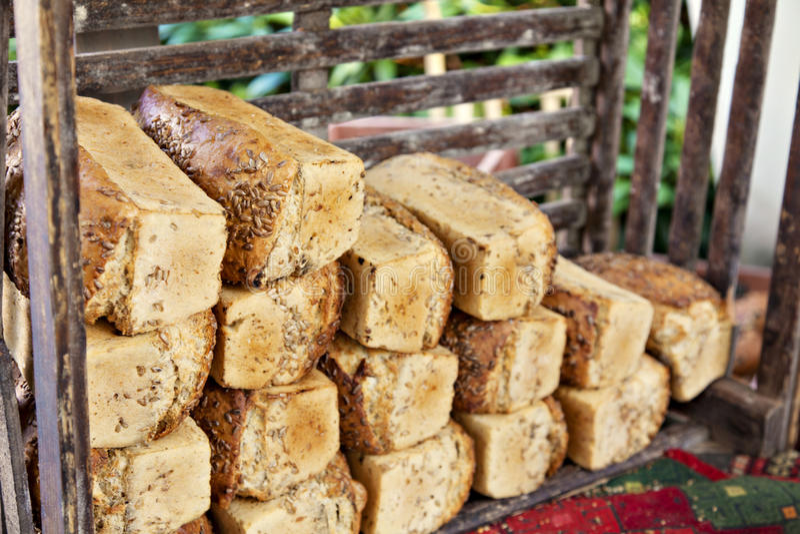 Het brood van de landbouwersmarkt royalty-vrije stock fotografie