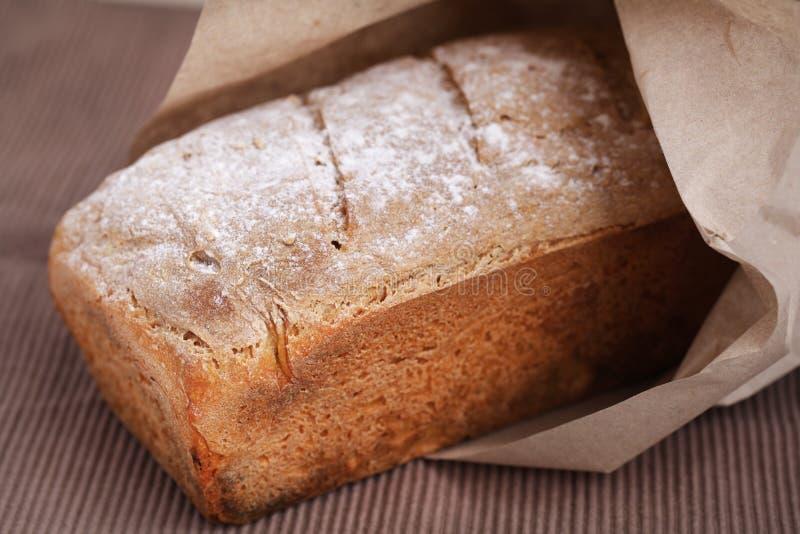 Het brood van het brood dat van graanbloem wordt gemaakt royalty-vrije stock afbeelding