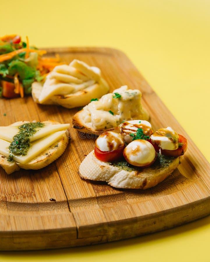 Het broodje van sushi Hoogste mening royalty-vrije stock foto's