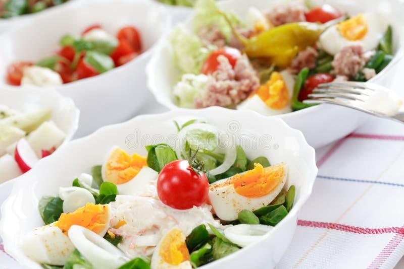 Het buffet van de salade stock afbeeldingen