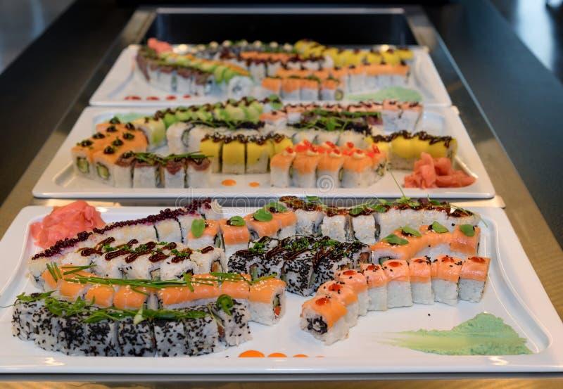 Het buffet van de sushizelfbediening royalty-vrije stock foto's