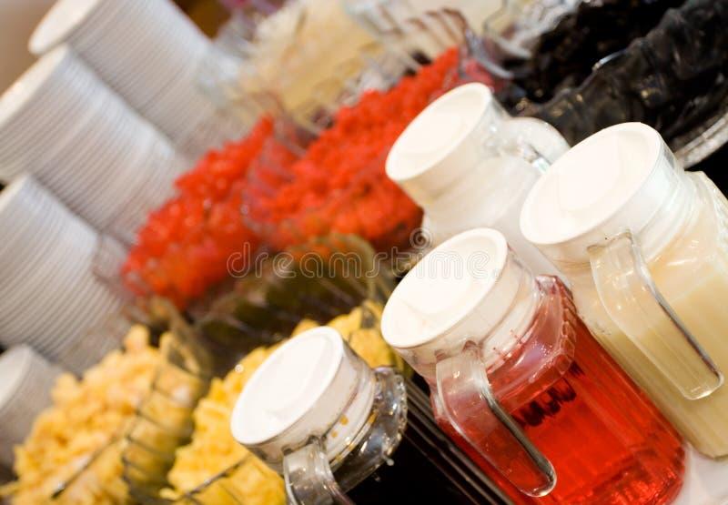 Het buffet van het dessert - oosterse verfrissing stock afbeelding