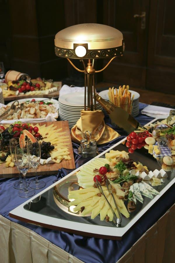 Het buffet van het restaurant stock afbeelding