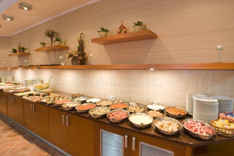 Het buffetlijn van het restaurant stock fotografie