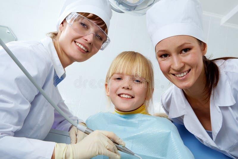 In het bureau van de tandarts royalty-vrije stock afbeelding