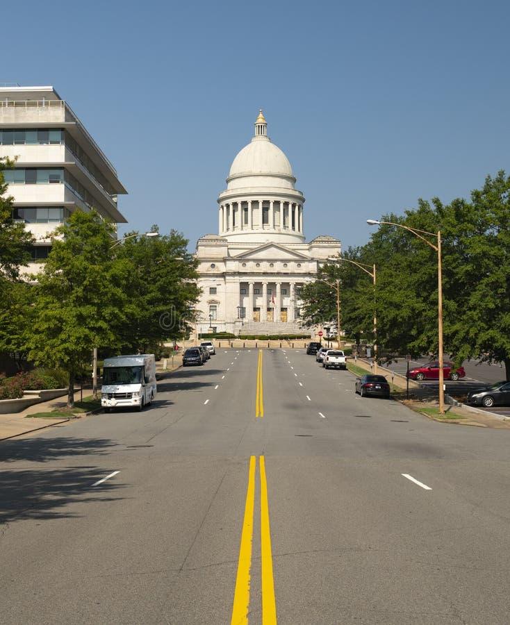 Het Capitool die van de staat Main Street Little Rock Arkansas de V.S. bouwen royalty-vrije stock foto's