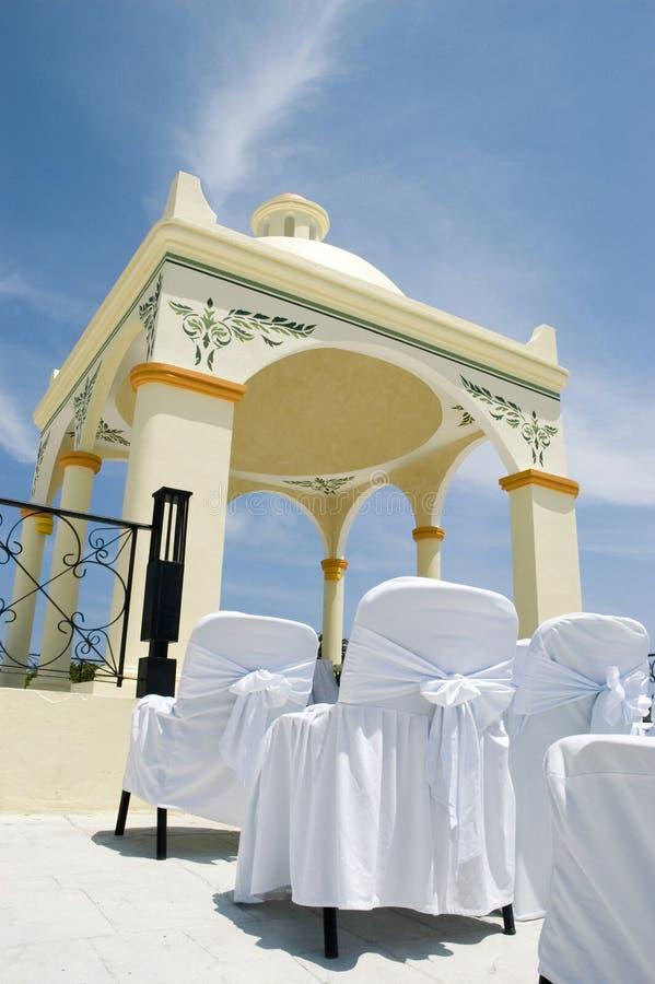 Het Caraïbische Huwelijk van het Strand - Huwelijk Gazebo stock afbeeldingen