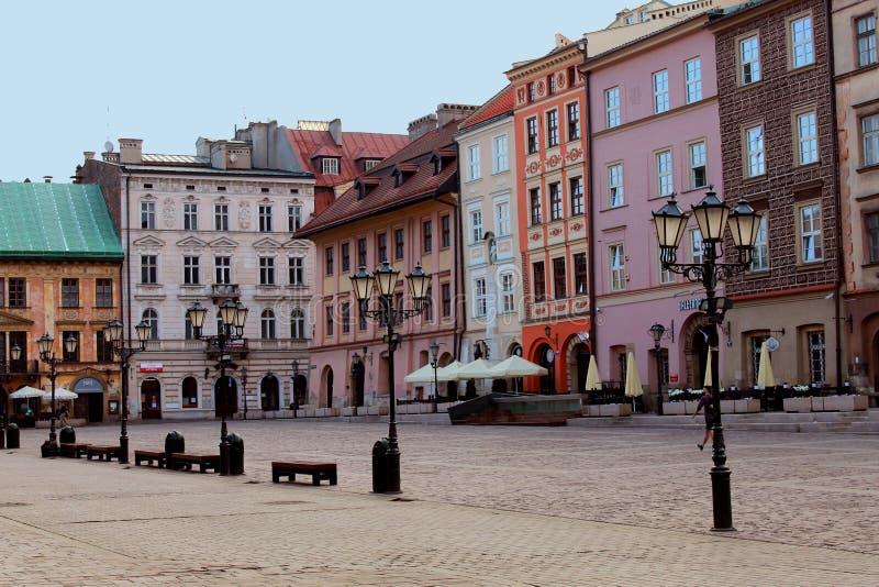 Het centrale vierkant in de grote stad stock afbeelding