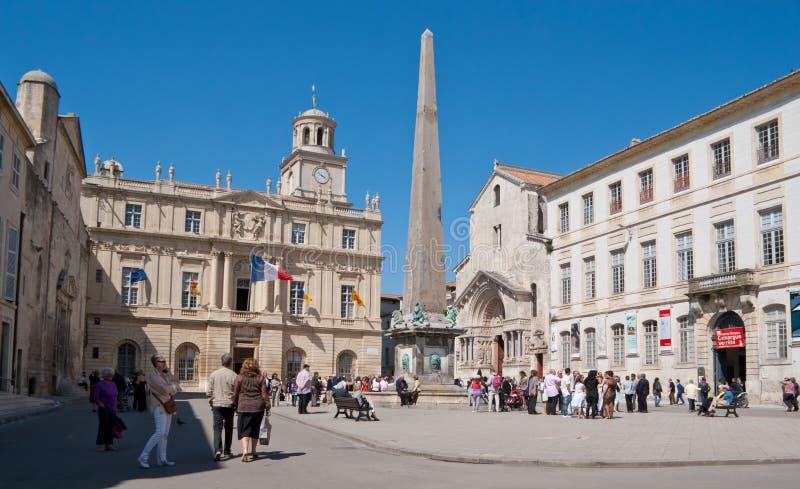 Het centrale vierkant van Arles stock foto