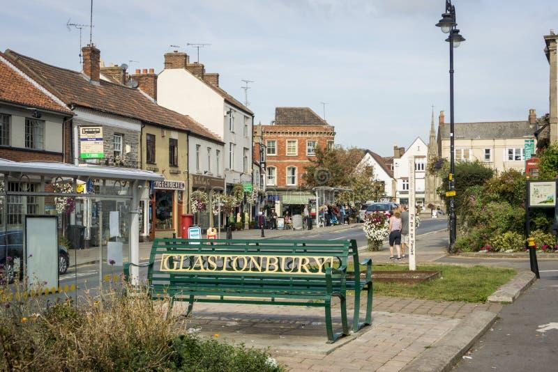 Download Het Centrum Van De Glastonburystad Redactionele Stock Afbeelding - Afbeelding bestaande uit voetganger, straat: 54087449