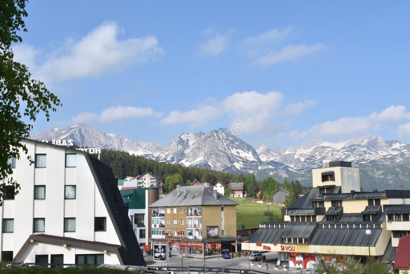 Het centrum van de kleine, bergstad van Å ½ abljak royalty-vrije stock fotografie