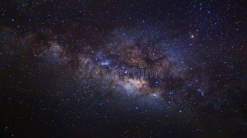 Het centrum van de melkachtige maniermelkweg, Lange blootstellingsfoto royalty-vrije stock afbeeldingen