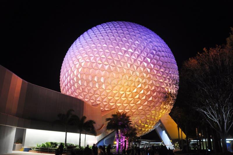 Het Centrum van Disney Epcot bij nacht stock fotografie