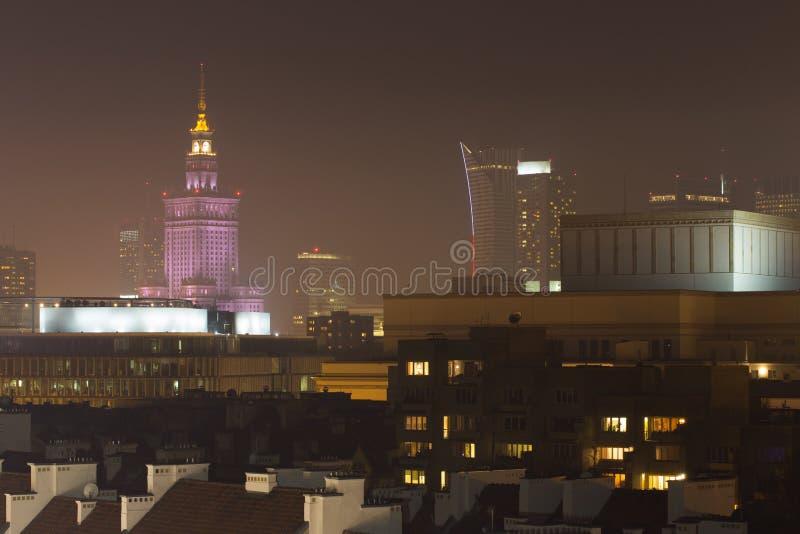 Het centrum van Warshau bij nacht stock foto's