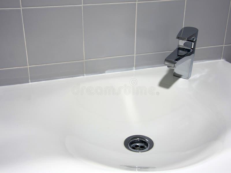 Het ceramische bassin van de handwas stock foto's