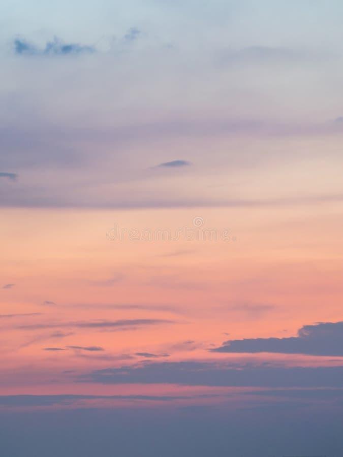 Het charmeren van mooie hemelachtergrond Het schemeringogenblik van s royalty-vrije stock fotografie