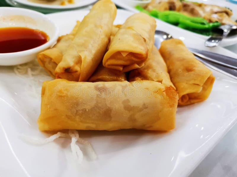Het Chinese/Kantonese Restaurant van de lentebroodjes @ stock foto