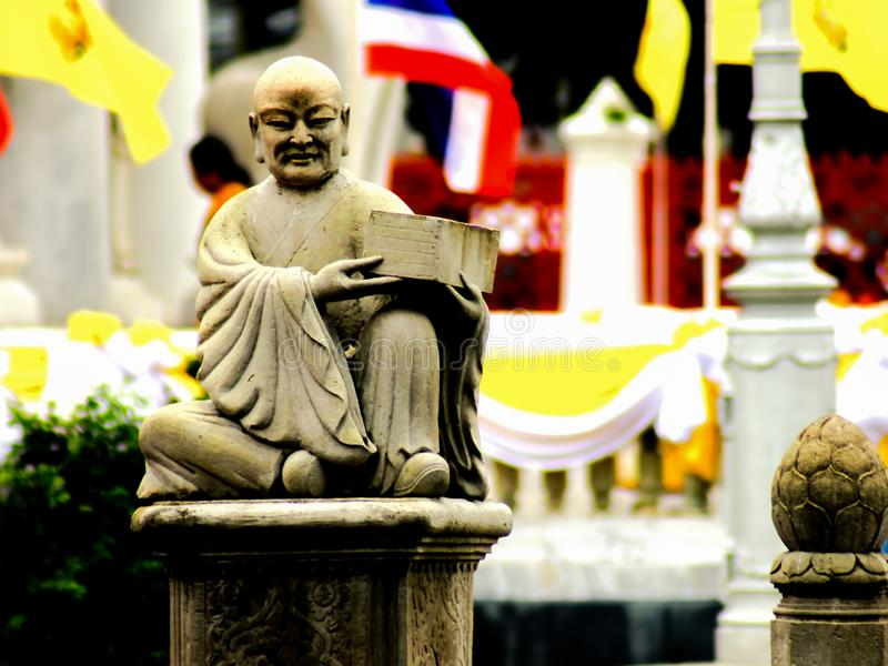 Het Chinese Standbeeld van Boedha wijsheidsinpiration stock afbeelding