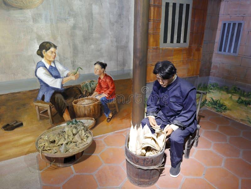 Het Chinese volksstandbeeld van Dragon Boat Festival in het museum van wudianshi historische plaats, rgb adobe royalty-vrije stock fotografie