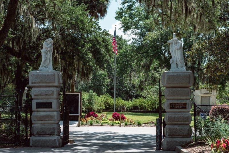 Het christelijke Beeldhouwstandbeeld Bonaventure Cemetery Savannah Georgia van de ingangsbegraafplaats stock fotografie