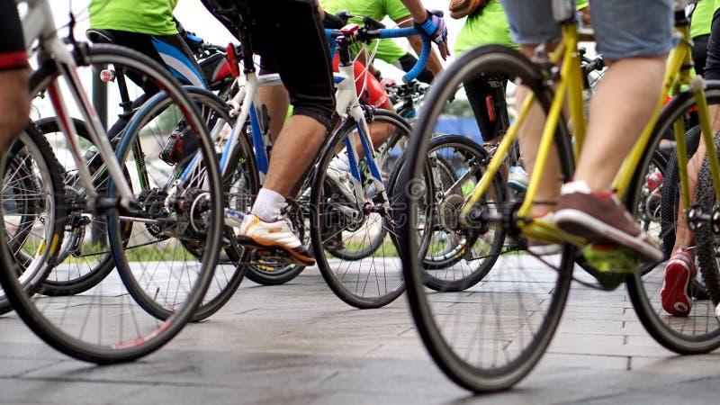 Het cirkelen ras, biking samenvatting royalty-vrije stock afbeeldingen