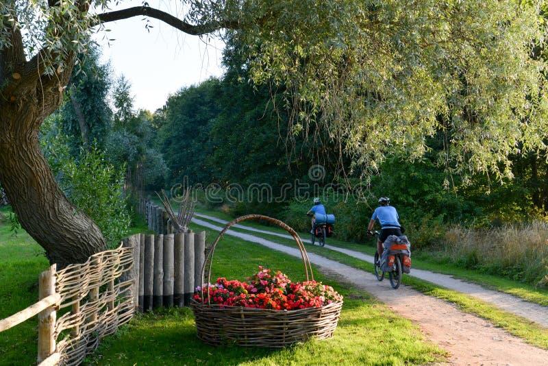 Het cirkelen reis in Letland royalty-vrije stock afbeelding