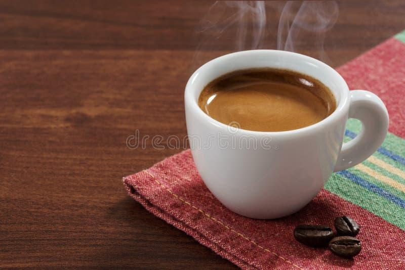Het close-up van de koffieespresso stock afbeeldingen