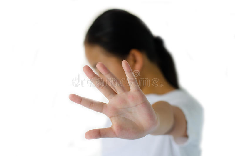 Het close-upportret van, ongelukkig, gek jong meisje, die hand opheffen zegt tot daar, geen einderecht stock fotografie