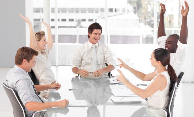 Het commerciële Vieren van het Team Succes stock afbeelding