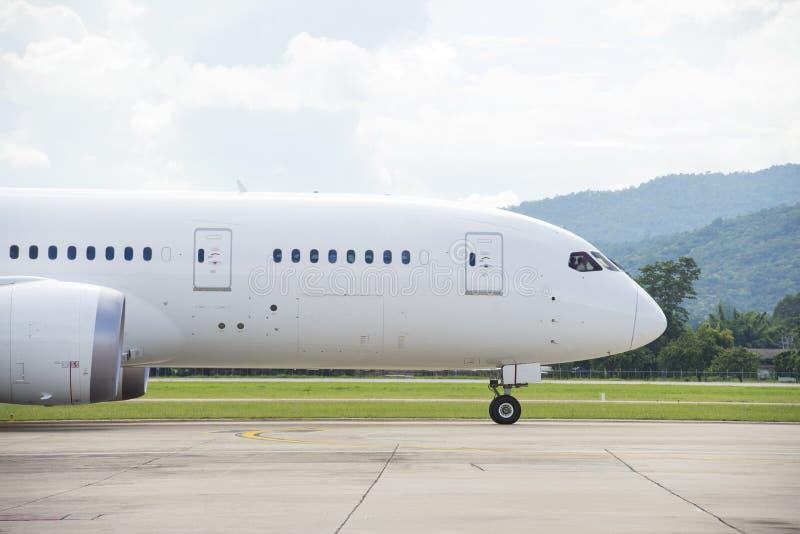 Het commerciële vliegtuig taxi?en stock afbeeldingen