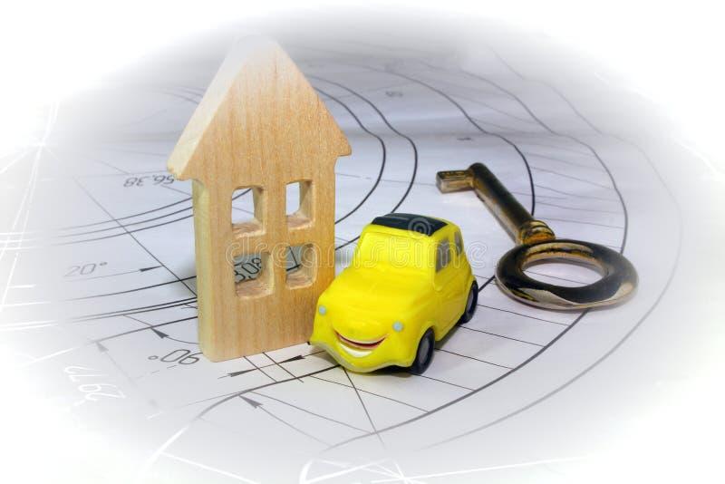 Het concept bouw van huizen op een kant en klare basis stock fotografie