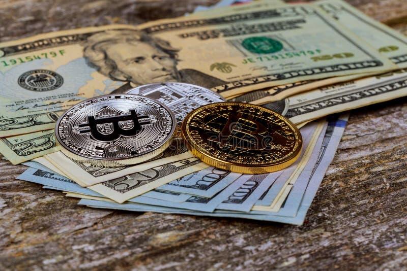 Het concept crypto munt Bitcoin en dollar royalty-vrije stock afbeeldingen