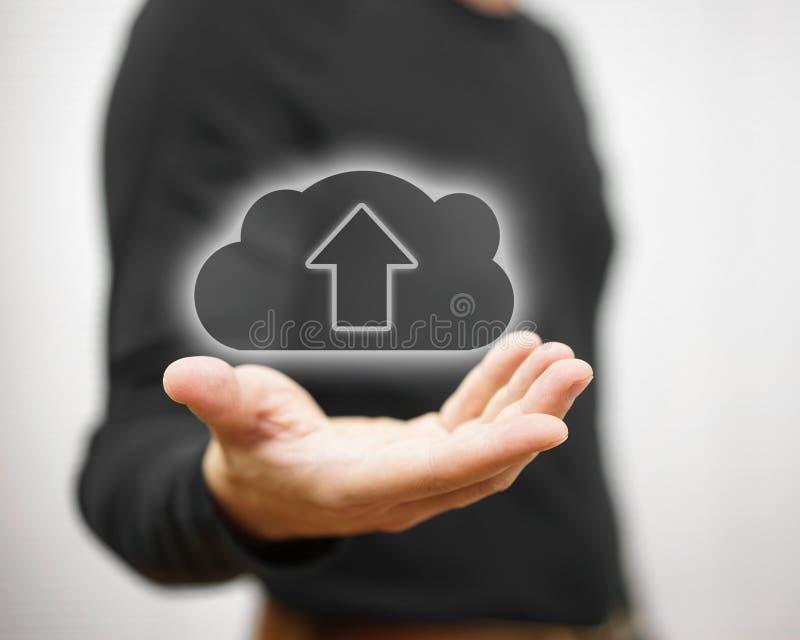 Het concept de veilige opslag van wolkengegevens of het uploaden u dient in stock foto's